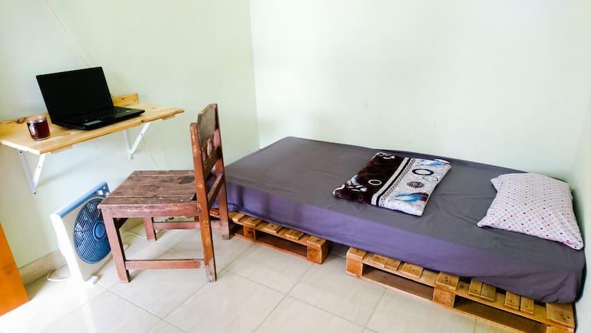 Srikaloka 12 - Small and Simple Minimalist Room