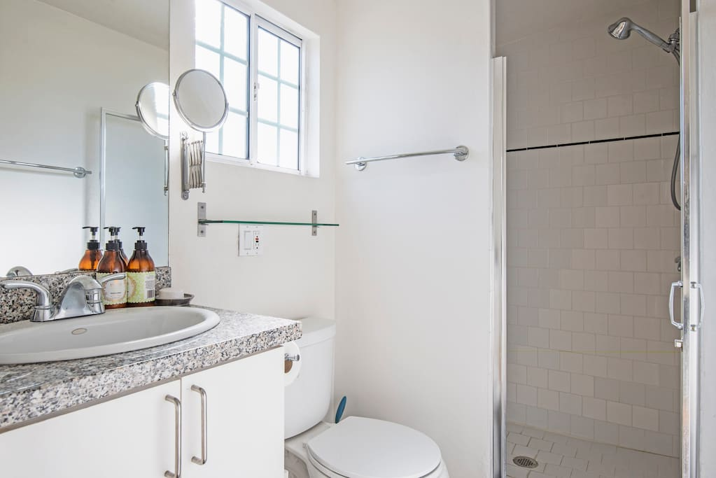 Your own modern, private bathroom