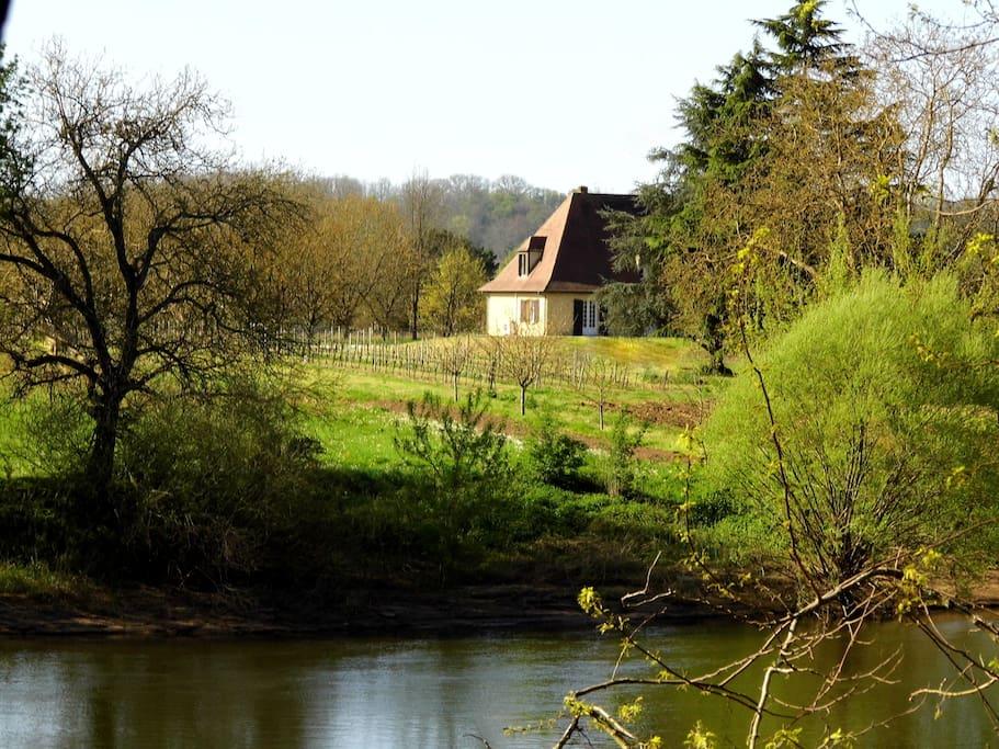 au bord de La rivière Dordogne