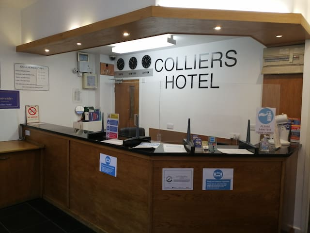 Budget Triple Room In Colliers Hotel.