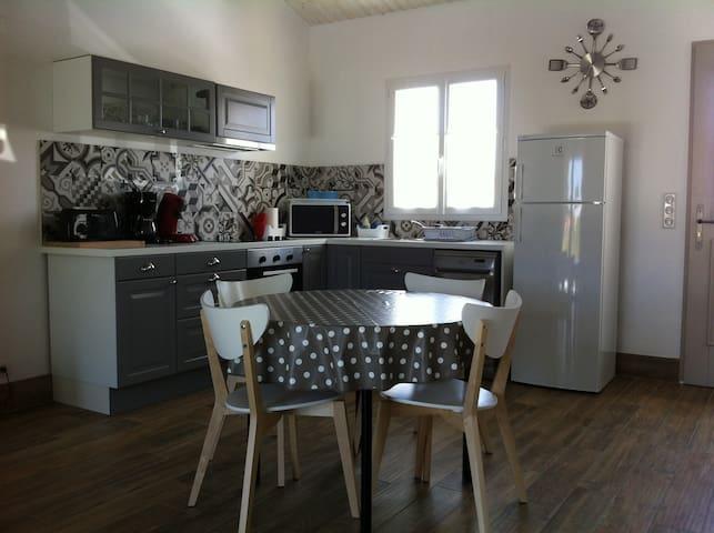 BOINOT LODGE : Maison neuve meublé de tourisme 4 * - Le Château-d'Oléron - 一軒家
