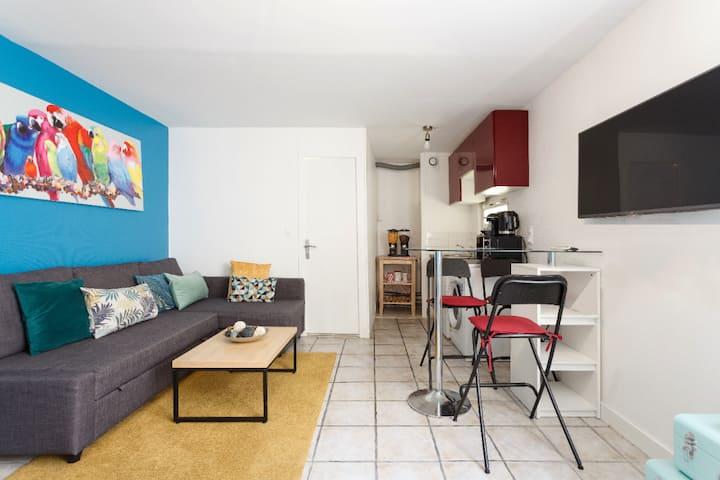 Near PARIS: Quiet and cosy studio;