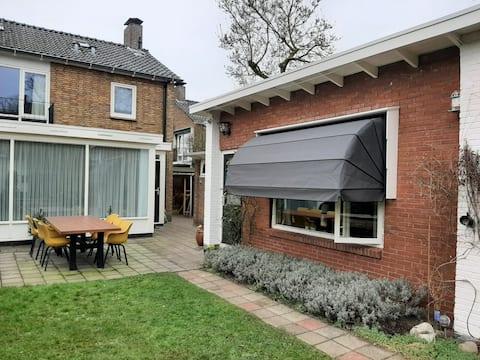 """het Tuinhuis"" centraal in Enschede"