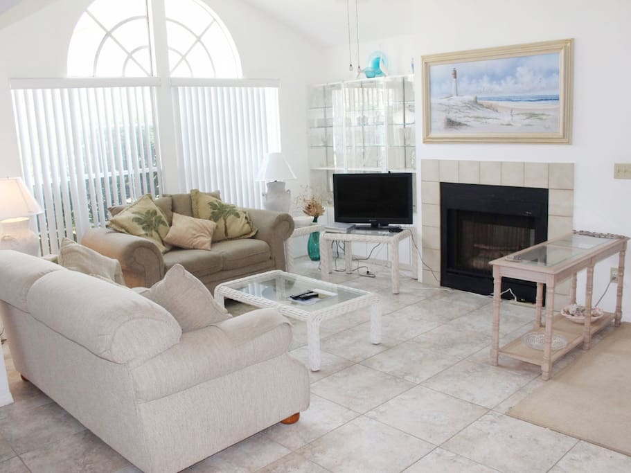 Fireplace,Hearth,Couch,Furniture,Art