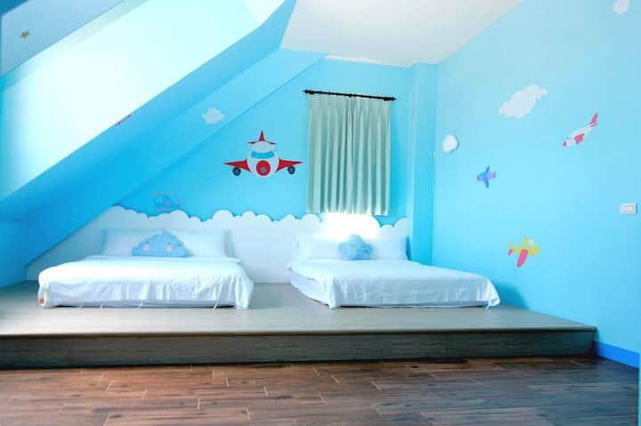Orange Castle-airplane room