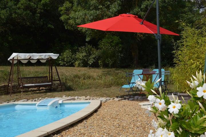 La Douce Parenthèse, Studio de charme avec piscine