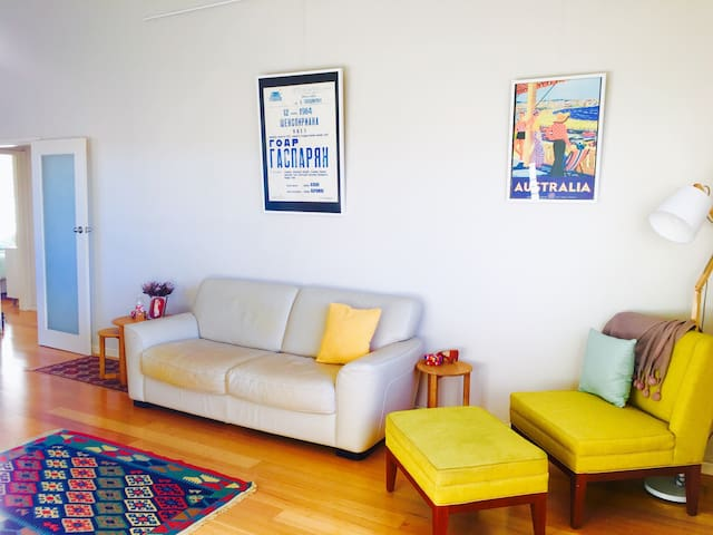 Bright & Cozy Room Close to Beach - Merewether - Appartement