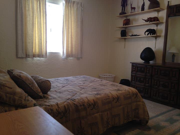 Private Room Ocean Side!