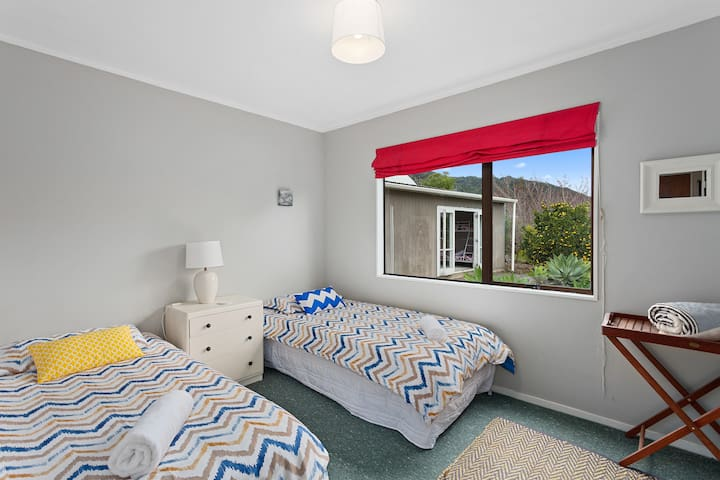 Bedroom 3 with view of annexe