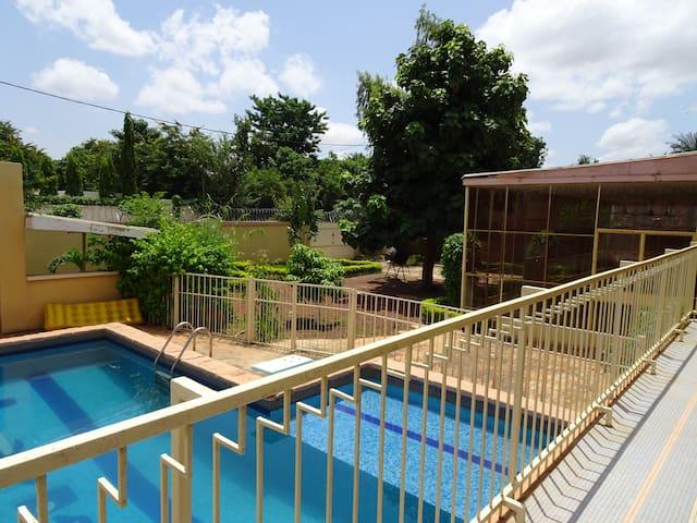 Villa Piscine à Petit Paris - Ouagadougou - Villa