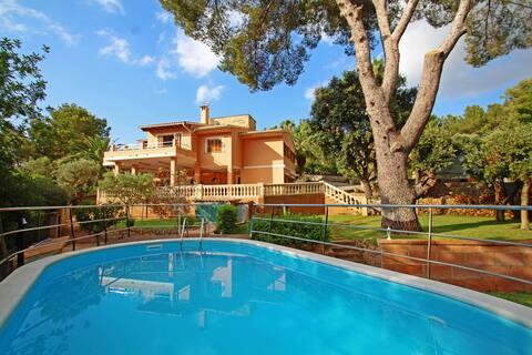Villa Capllonch - RELAX - BEACH only 2 min walk