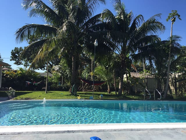 Tropical Paradise will allow you to relax near FLL - Fort Lauderdale - House