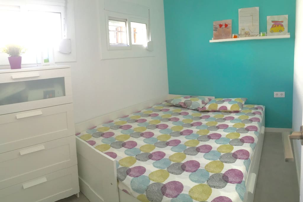 Dormitorio cama doble abierta /  Bedroom double Bed opened