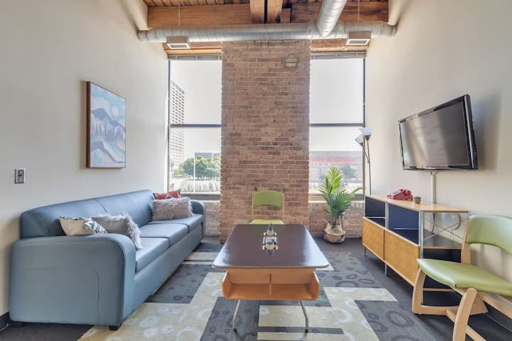 2BR Suite In Trendy West Loop