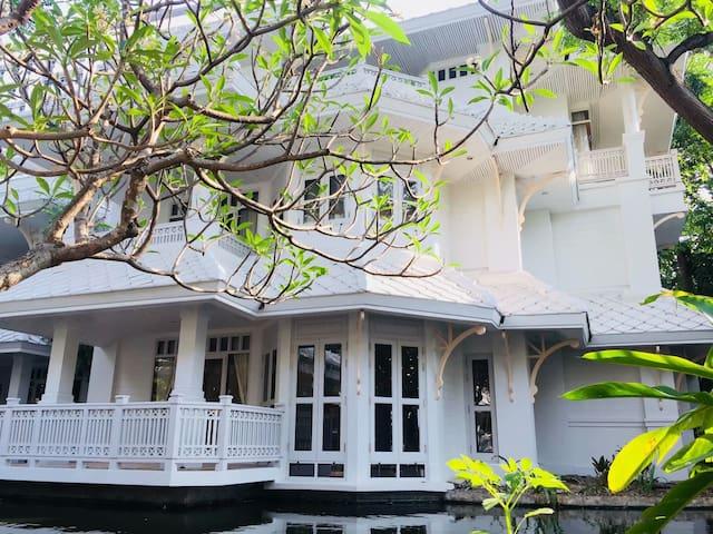 ChaoPhraya River  Villa,3mins->Boat station