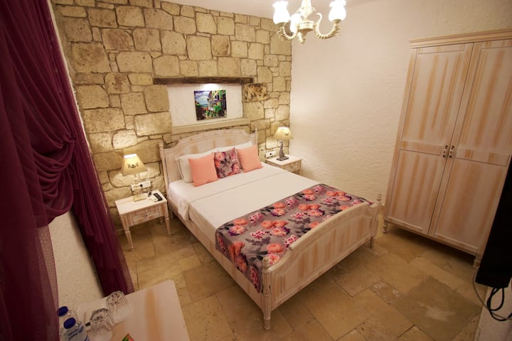 ▶ Quiet BB room in Rustic Style, in the Old Town