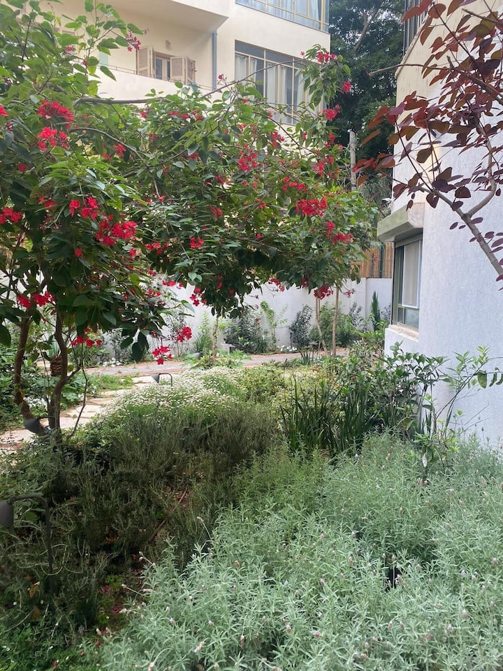 Magical apartment with Garden,Spacious & Clean BY6