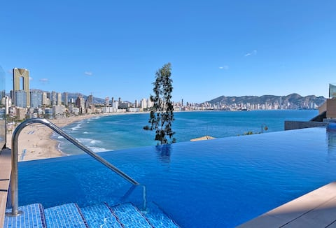 Luxury Apartment with pool by Poniente beach