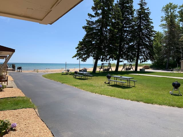 Lake Huron Resort · Private Beach Cottage No. 8E
