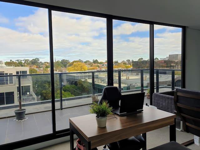 Top Floor 1 Bedroom Apartment Relaxing Vibe