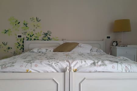 Double room Pescara centro - เปสคารา