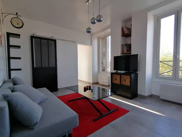 Beau Studio avec Terrasse sur la commune d'Etampes