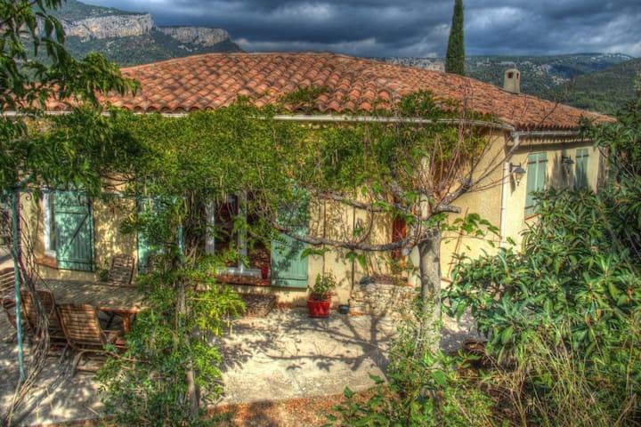 Villa 4 chambres vue Mt Caume grande piscine