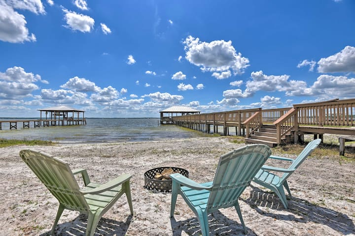 NEW! Lux Beach Retreat on Lake Weir w/Private Dock