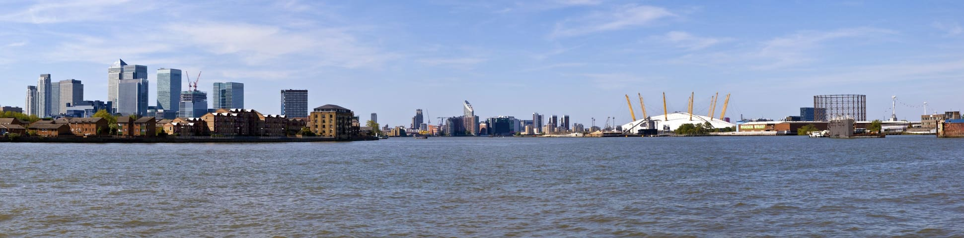 Docklands 3 Bed Penthouse Apartment