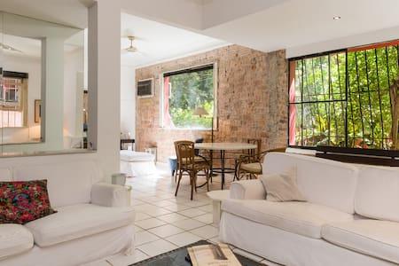 Double room @ quiet houselike flat - Rio de Janeiro - Apartment