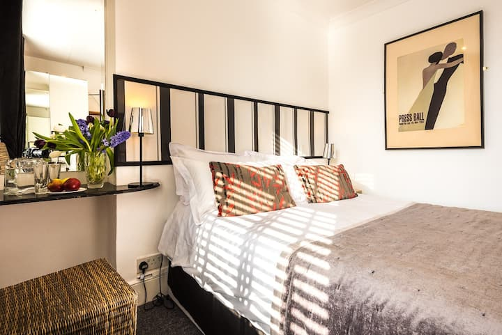 Paskins Town House Small Double En/s