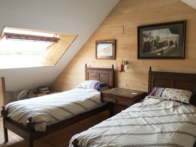 Second floor twin or triple room