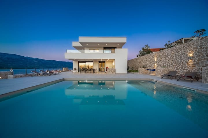 Luxury 5* Villa SEA STAR - amazing view + big pool