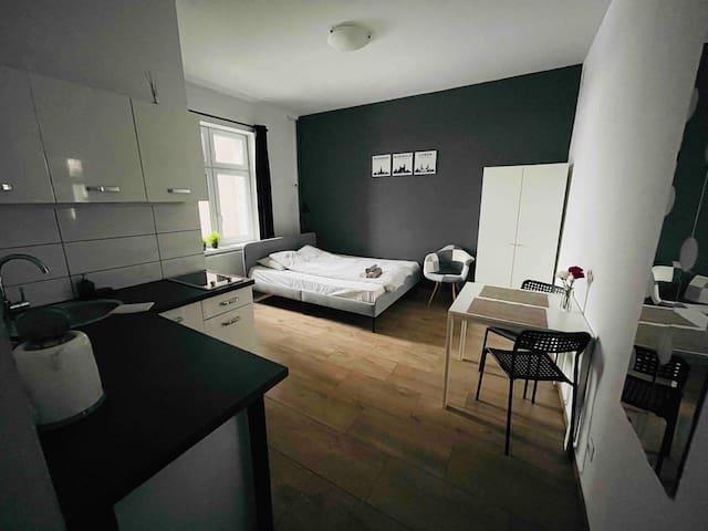 eM Apartment 06