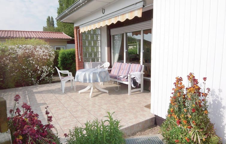 Holiday cottage with 2 bedrooms on 48 m² DMK476