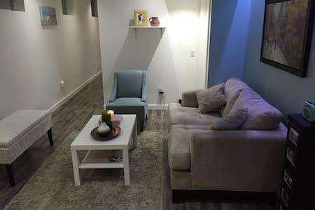 Beautiful, Cozy and Stylish Apartment - Toronto