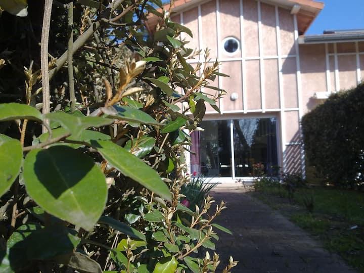 Villa patio  à 30 m du lac marin d'Hossegor