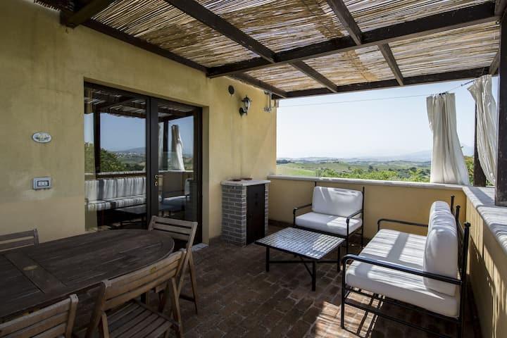 Classy Apartment in Ascoli Piceno with Pool