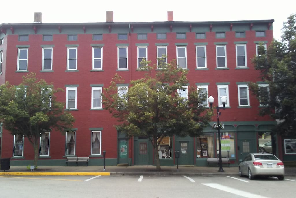 One Bedroom Apt in Historic Building on the Square in McConnelsville, Ohio