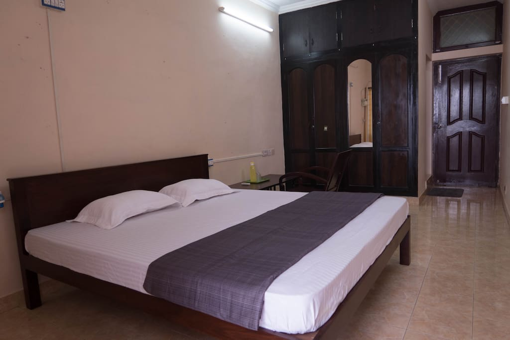 Manta Ray Room
