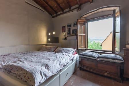 Deliziosa Stanza in Casa Privata - San Quirico In Collina