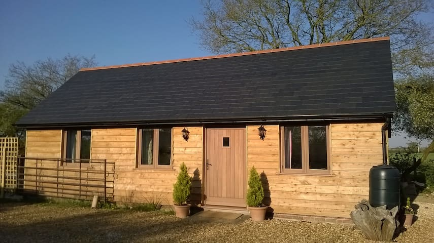 The Stable By The Woods - perfect for 2! - Alderholt - Blockhütte