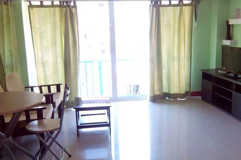 Living Room(photo2)