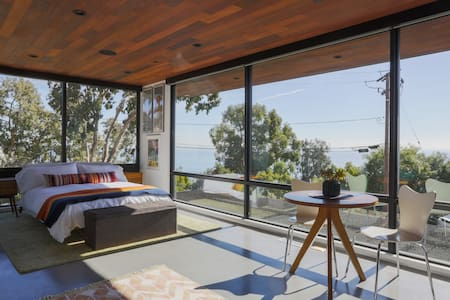Malibu Mid-Century Modern Studio with Ocean Views