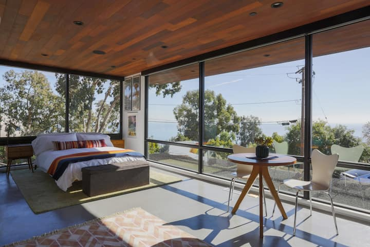 Malibu Mid-Century Modern Studio with Ocean Views