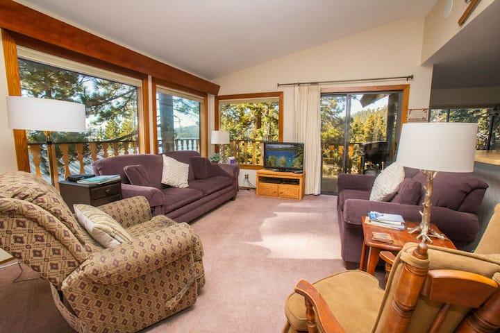 Tahoe Vista Retreat with Lake View- Walk to beach!