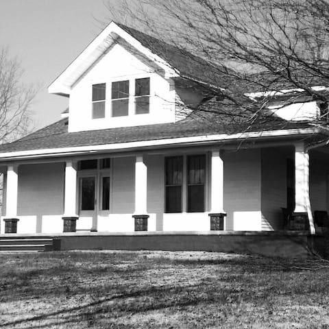 Sunny Crest Farm - Springfield