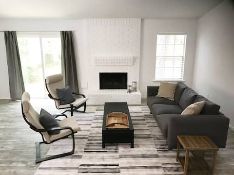 The Woodlands, NEWLY RENOVATED, BEAUTIFUL HOME