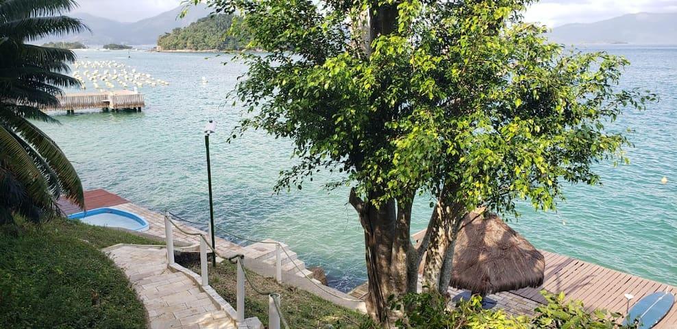 Casa a beira mar em local paradisíaco com Wi-Fi