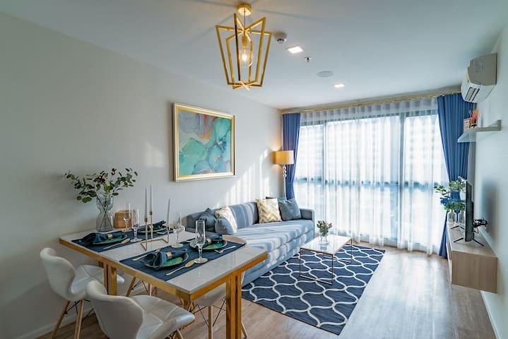SuperHost:Luxury&Big Unit: 2bedrooms/DMKAirport/E2